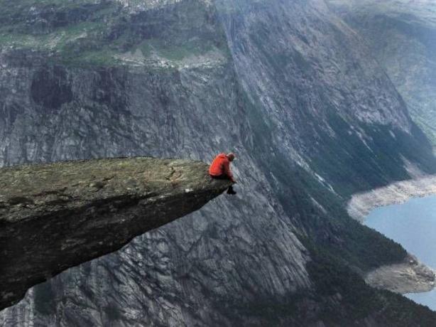 I'm so alone!